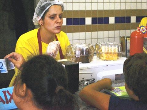 Alunos têm de comprar merenda na cantina da Escola de Aplicação (foto: Cleyton Vilarino)