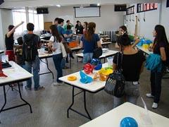 Alunos e comunidade externa visitam a exposição de 2009 (foto: IME/USP)