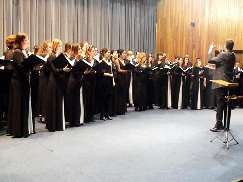 CoralUSP e Washington Singers cantam juntos (foto: Igor Resende)