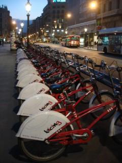 Em Barcelona, Bicing incentiva o uso de bikes (foto: Daniela Frabasile)