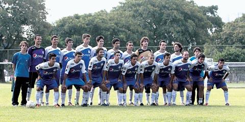 Mesmo derrotados, a boa defesa do time da EEFE garantiu o placar apertado (foto: Silvio Augusto Jr.)
