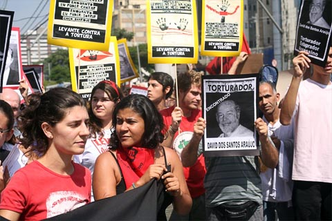 """""""São sinais de que o direito à memória foi apropriado pelos jovens como um direito deles"""", diz Paulo Abrão sobre os escrachos populares (foto: Paulo Iannone)"""