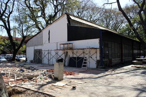 Estrutura danificada deixou sede do NCN vulnerável (foto: Luisa Granato)