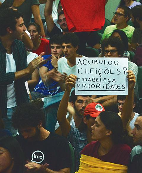 Entre os dias 23 e 26 de agosto o XI Congresso dos Estudantes da USP debateu questões como as eleições para o DCE e as cotas raciais (foto: ocongressofoiotimo.tumblr.com)