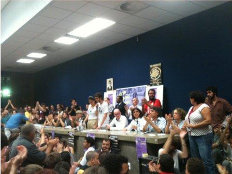 Auditório lotado revela interesse de alunos e intelectuais no tema (Foto: Talita Nascimento)
