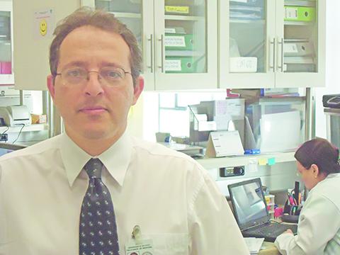 Esper Kallas participou de pesquisa pioneira no uso de antirretrovirais na prevenção da AIDS. Foto: Fernando Oliveira