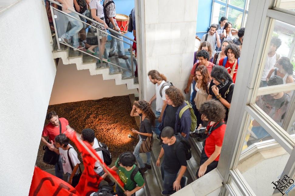 Ocupação do Conselho Universitário no dia 14 de abril