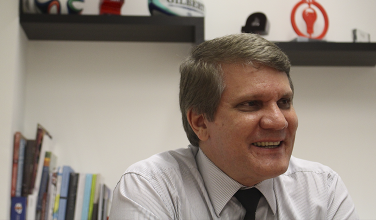 Antônio Carlos Hernandes destaca a revelvância da prática do esporte universitário para a formação (foto: Daniel Tubone)