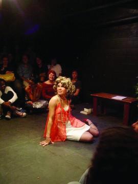 Jany faz teatro desde 2006 (foto: acervo pessoal)