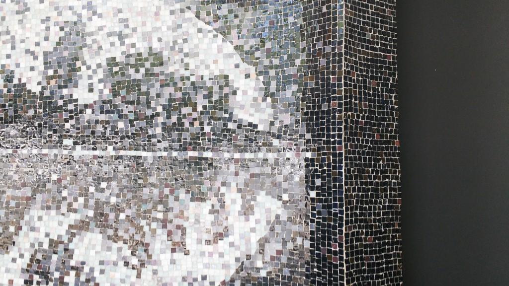Inaugurada em 1994 pelo então diretor do IEB, o professor José Sebastião Witter, a informação que consta no site do Instituto Tomie Ohtake é de que a obra foi transferida para o novo prédio do Instituto. No entanto, o painel, feito com pastilhas de vidro, pode ser visto logo na entrada da antiga sede do IEB, local onde agora está instalado o Núcleo de Consciência Negra da USP.