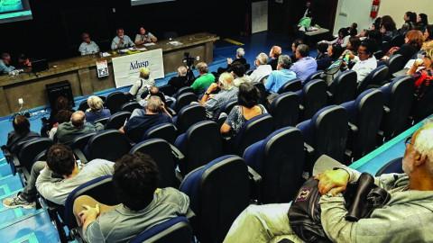 Reunião da ADUSP. Foto: Guilherme Weffort
